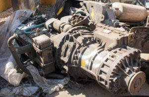 various-used-parts-for-earthmoving-equipment-2